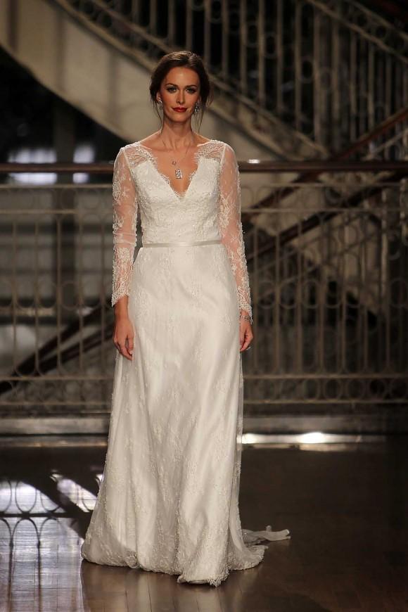 Débora desfilou de noiva