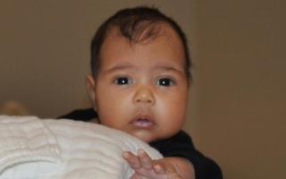 North West é a primeira filha de Kim Kardashian e Kanye West