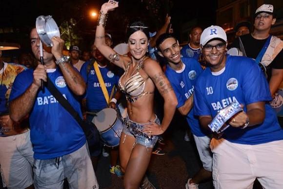 Aline Riscado é a rainha da Caprichosos Foto:  Diego Mendes / Divulgação