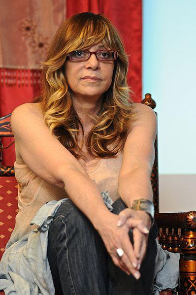 A autora Glória Perez é bastante ativa nas redes sociais