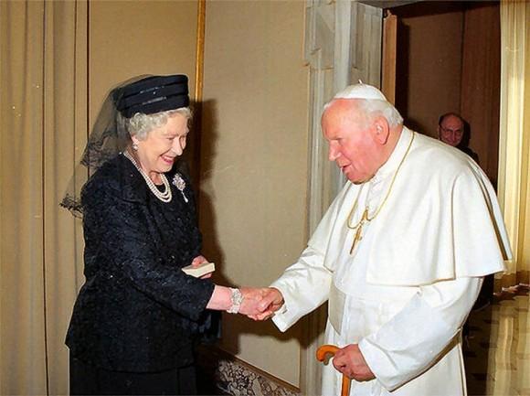 Isabel II-papa Joao Paulo