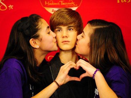 Justin Biebercera2