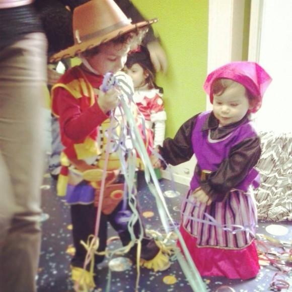 Os filhos de Rita Mendes vestidos a rigor