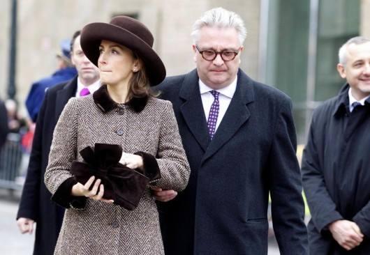 O príncipe Laurent com a mulher, a princesa Claire