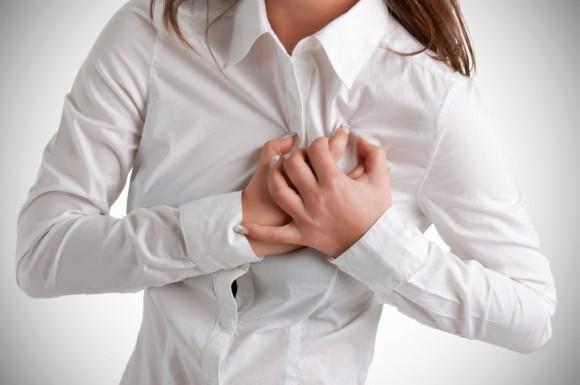 ataque-cardiaco-feminino