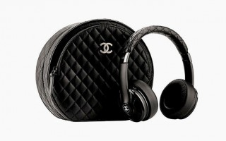 chanel-monster-headphones-harpers-bazaar-brasil