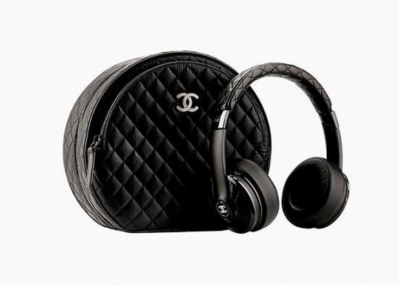 chanel-monster-headphones-harpers-bazaar-brasil