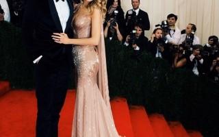 Blake Lively e Ryan Reynolds, o casal vestiu Gucci