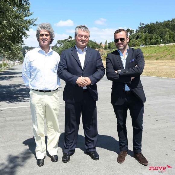 Jorge Silva e Jorge Lopes, da PEV ENtertainment e o presidente da câmara de Gaia, Eduardo Vítor Rodrigues