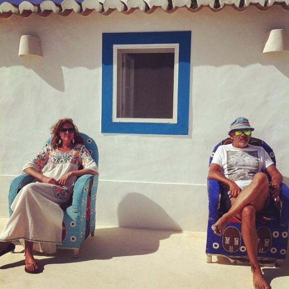 O estilista com a irmã, Alexandra