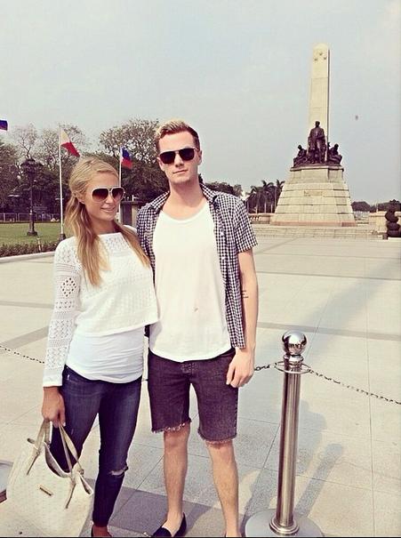 Paris com o irmão Barron, que a vai acompanhar na viagem a Portugal