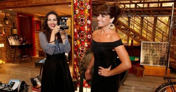 "Tainá Müller e Giovanna Antonelli contracem na novela ""Em Família"""