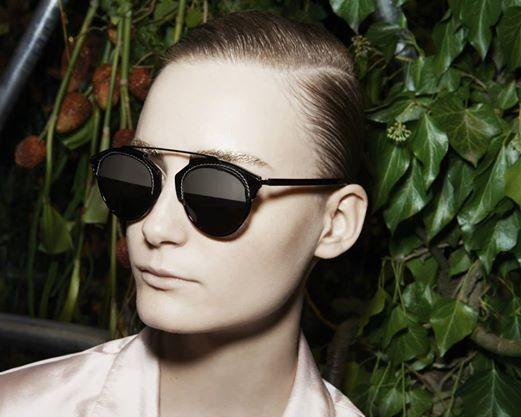 Os óculos de sol Dior So Real é o must-have desta estação e o modelo já  conquistou as celebridades. 0688842db9