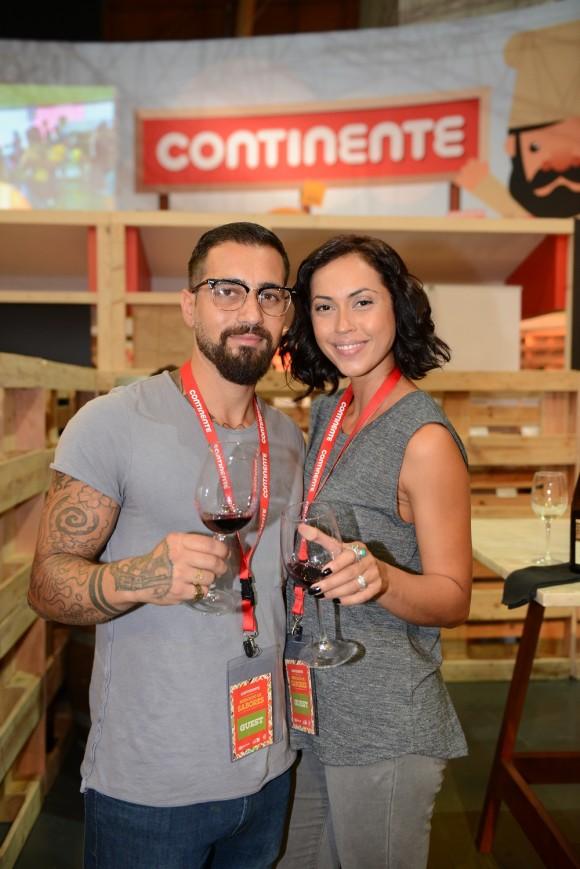 Miguel Mouzinho namora atualmente com a atriz Débora Monteiro