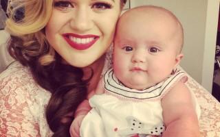 Kelly Clarkson deu à luz a River Rose em junho.
