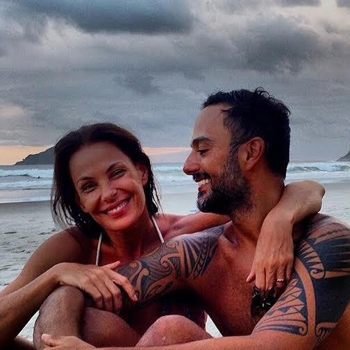 Carolina Ferraz e namorado
