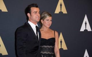 Jennifer Aniston e Justin Theroux oficializaram a relação numa cerimónia íntima em Los Angeles, em agosto.