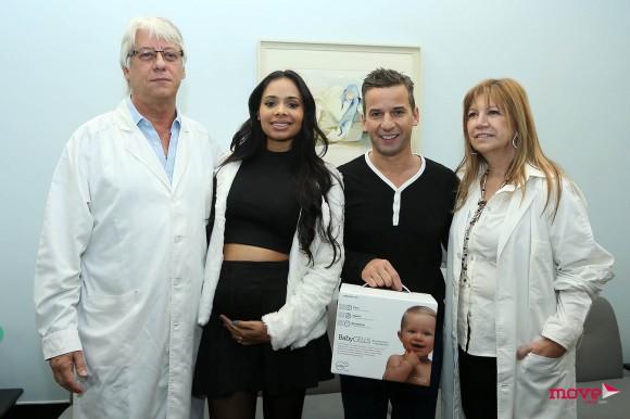 Cinthia e Luís com os médicos Joaquim Pinto de Oliveira e Angelina Pinheiro