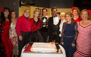 Ao centro, Abel Dias, Lili Cane+ºas, Daniel Martins, Neno e Delfina Cruz