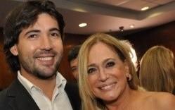 Susana Vieira e Sandro Pedroso, após muitas reconciliações e separações, colocaram um ponto final na relação.