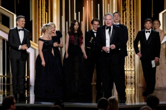 """A equipa de """"Boyhood"""" recebe o Globo de Ouro"""