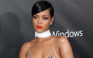 Rihanna3-418x594