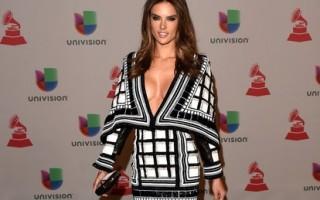 Grammy-Latinos-Alessandra-Ambrosio