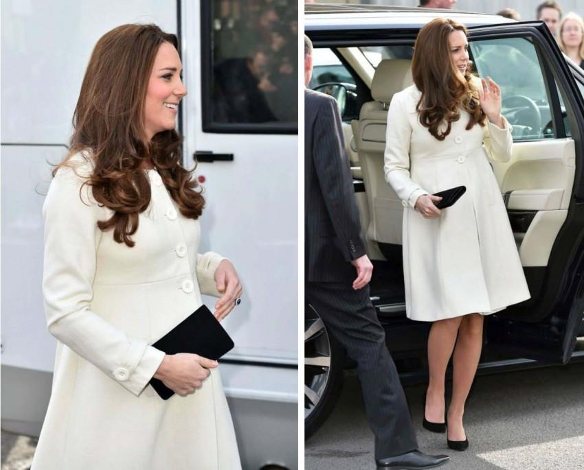 Um casaco branco Jojo Maman Bebe