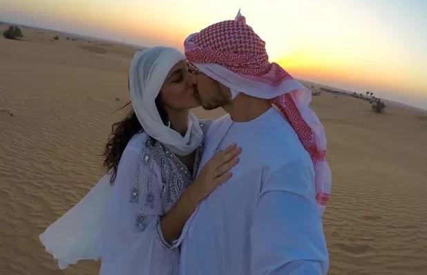 Débora Nascimento e José Loreto casaram-se em Abu Dabhi em junho.