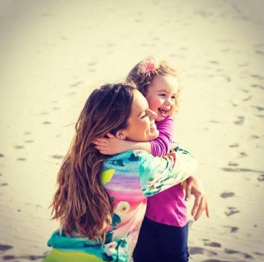 """Diana Chaves: """"Um abraço muito grande e cheio de carinho para todas as crianças do mundo!!""""."""