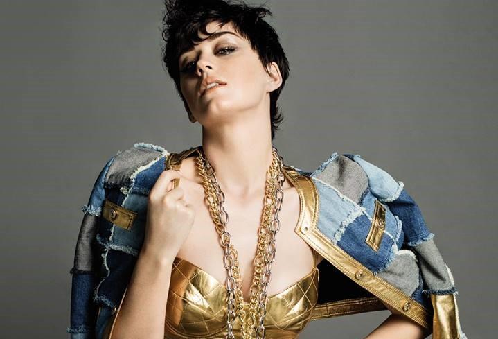 Katy Perry Moschino - Cópia