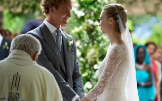 Pierre Casiraghi e Beatrice Borromeo oficializaram a relação com duas cerimónias: uma civil, que teve lugar em julho no Mónaco, e outro pela igreja, que se realizou em Itália, em agosto.