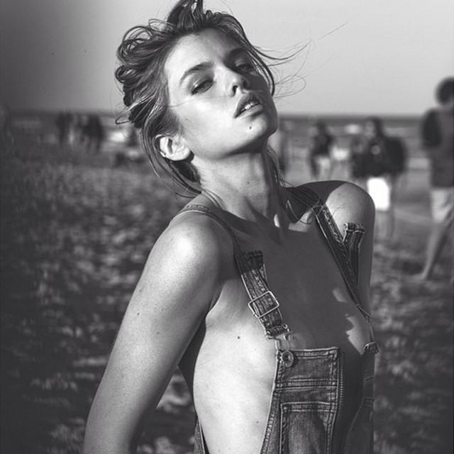 Namorada de Miley Cyrus posa nua - MoveNotícias