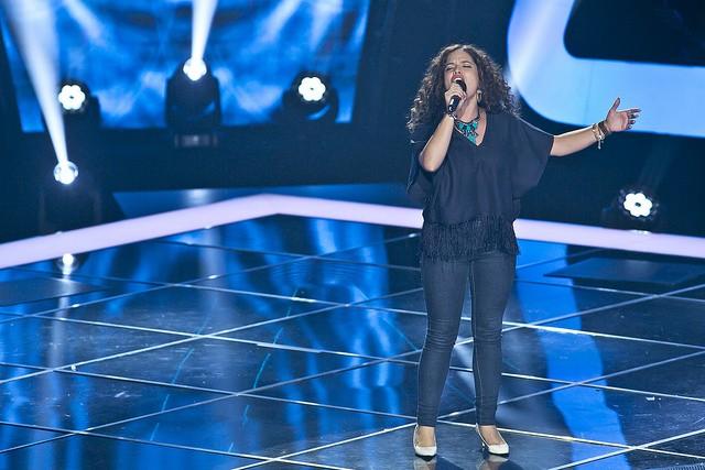 """Joana Ferreira cantou """"Take me to church"""" e os mentores renderam-se ao timbre dela"""