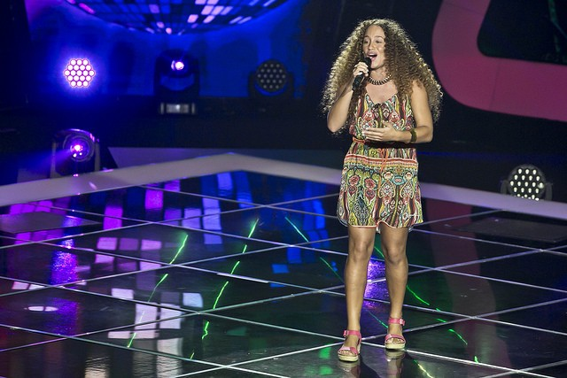 "Laura Vargas cantou ""I Will Survive"""