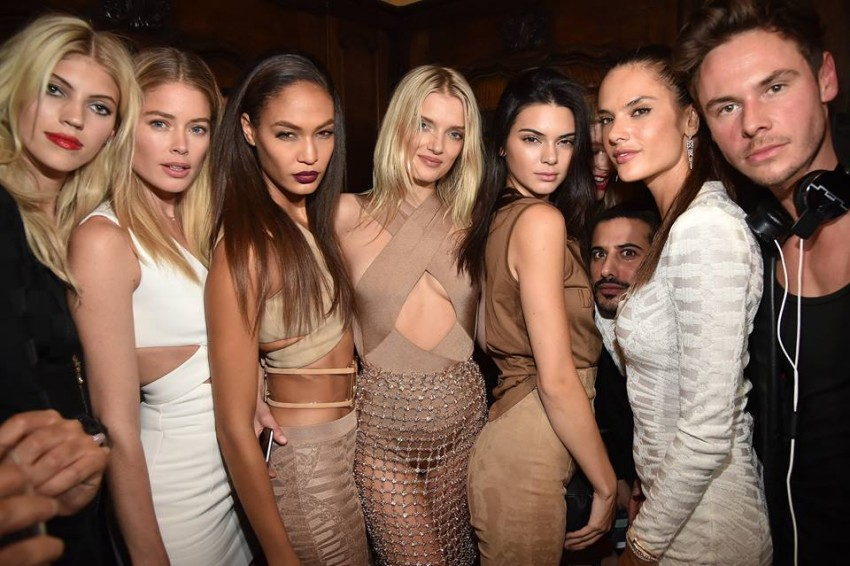 Balmain Devon Windsor, Doutzen Kroes, Joan Smalls, Lily Donaldson, Kendall Jenner e Alessandra Ambrosio