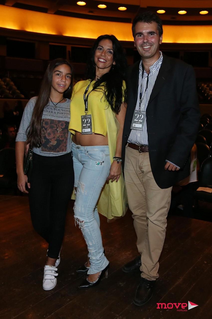 Miguel Medina com Monica Rodrigues e Mafalda Rodrigues