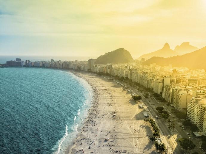 Agosto - Rio de Janeiro - Altura de inverno no Brasil, por isso os hotéis são mais baratos e as praias estão menos lotadas.