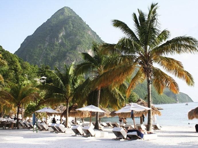 Julho - Saint Lucia - Caraíbas - Local ideal para festejar o carnaval nesta ilha.
