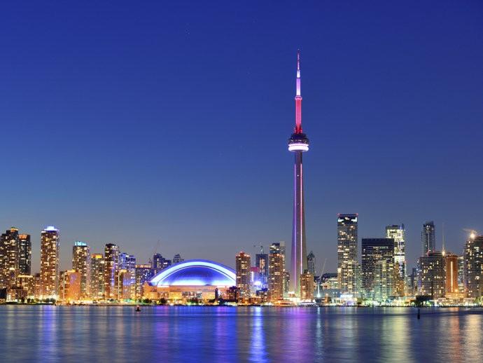 Setembro - Toronto -  Canadá - Com temperaturas em torno de 15 graus, o outono de setembro enfeita os muitos parques e trilhas para percorrer em Toronto.