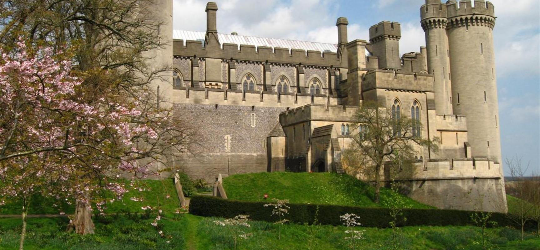 amberley-castle-1-1728x800_c