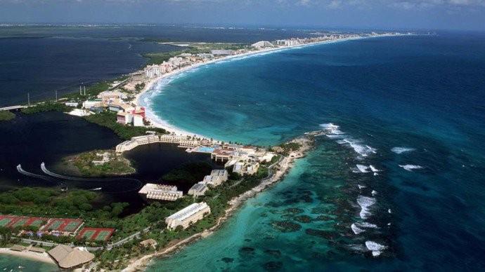 Janeiro - Cancún  - México - Altura em que as praias não são invadidas por estudantes universitários norte-americanos e os preços são mais apelativos