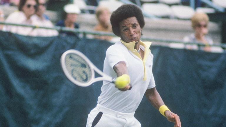 Arthur Ashe, tenista do Grand Slam, contraiu a doença através de uma transfusão de sangue, morreu em 1993.