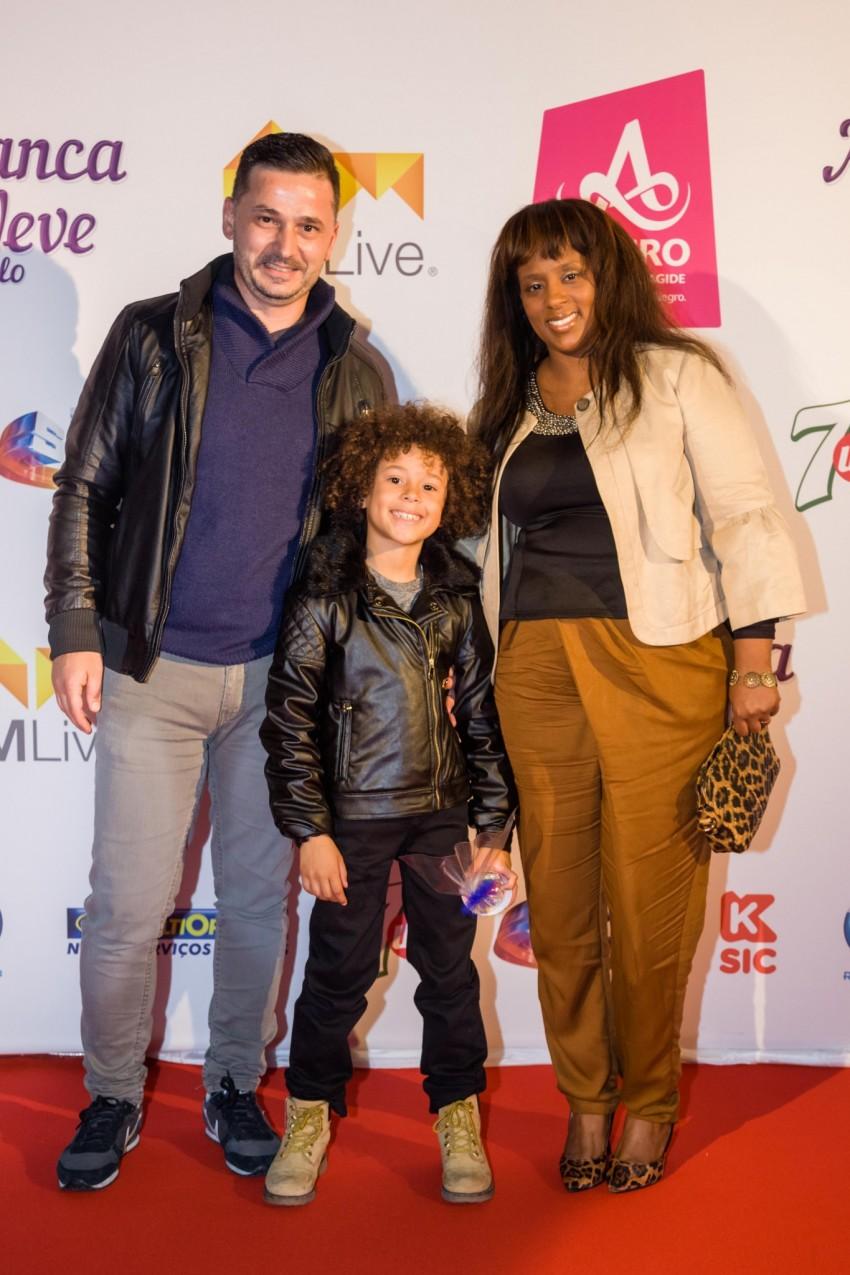 Isaac Carvalho com os pais, Marco e Sofia Carvalho