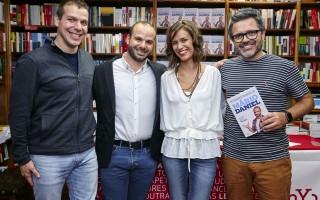 M+írio Daniel com o irm+úo David Mendes, a esposa Cl+íudia Pedrosa e Nilton