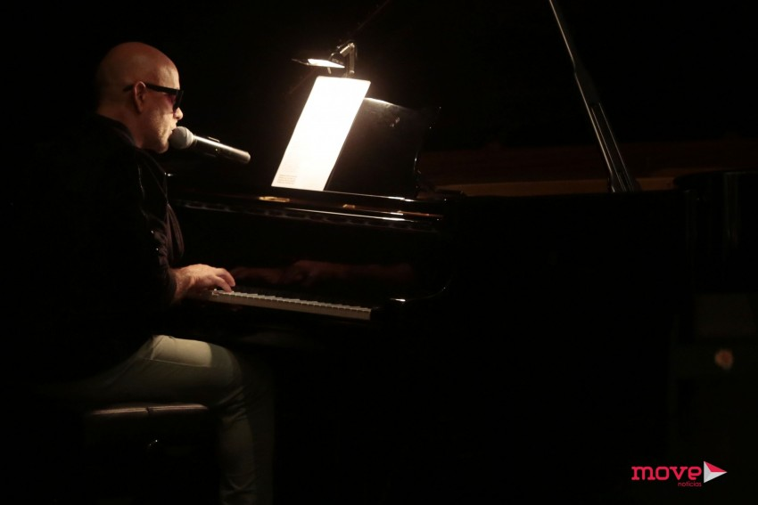 Pedro Abrunhosa tocou duas músicas em homenagem a Paulo Cunha e Silva