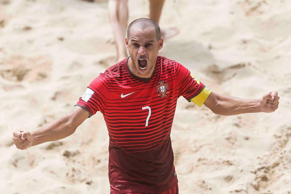 2d91887829 O português Madjer foi eleito o melhor jogador do mundo de futebol de praia  de 2015