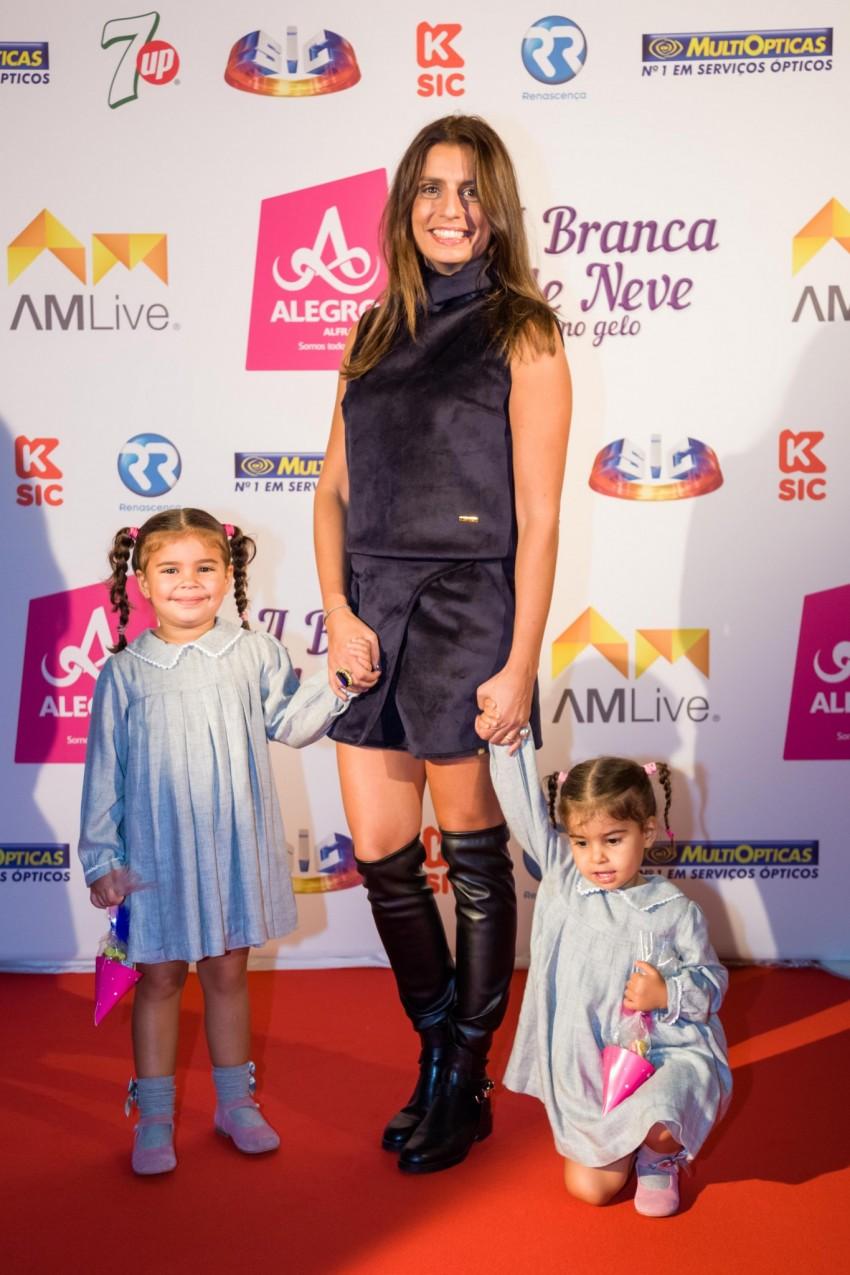 Patricia Pereira da Silva com as filhas, Teresa e Leonor