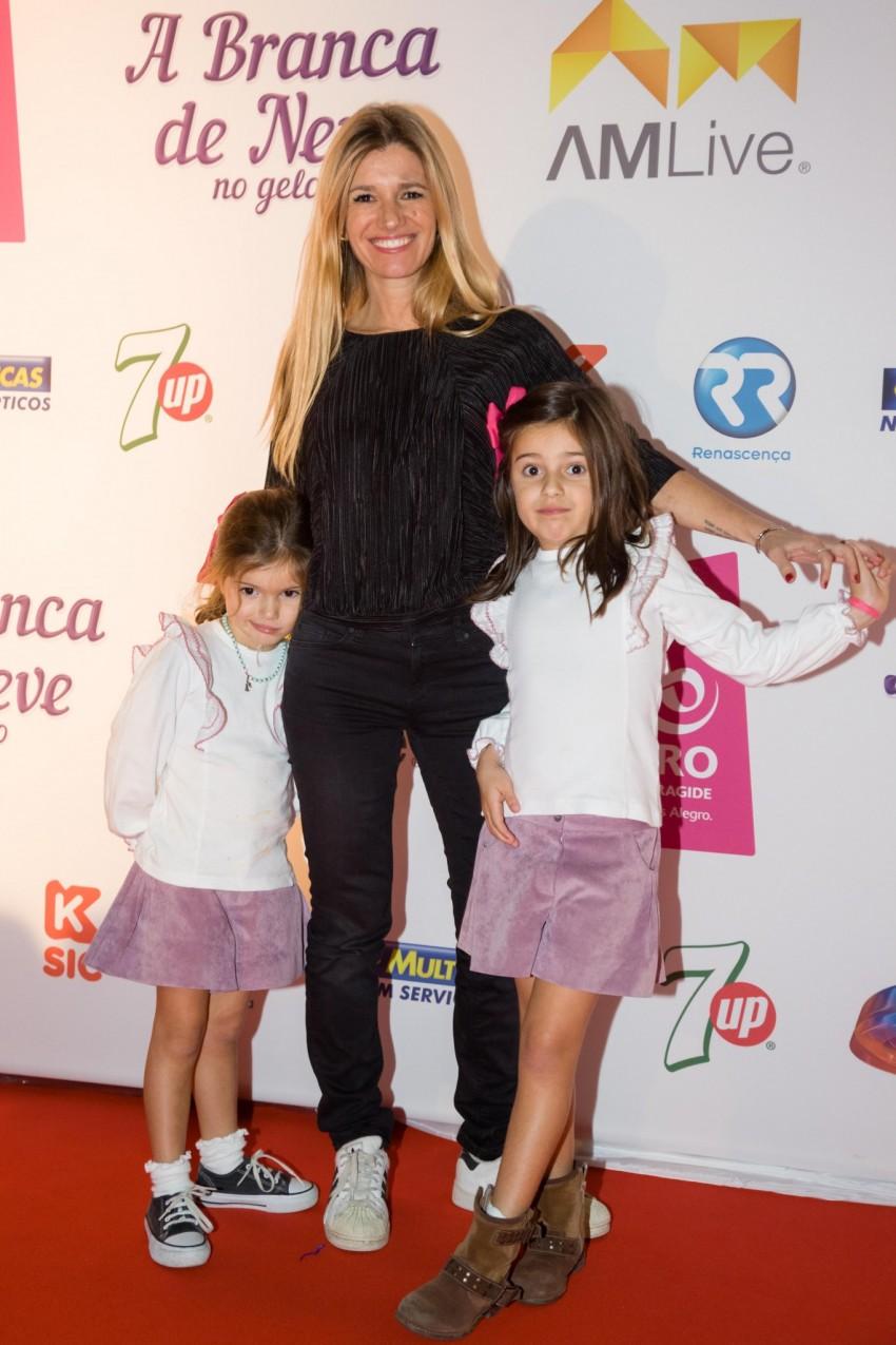 Sofia Jardim  com as filhas, Leonor e Luz