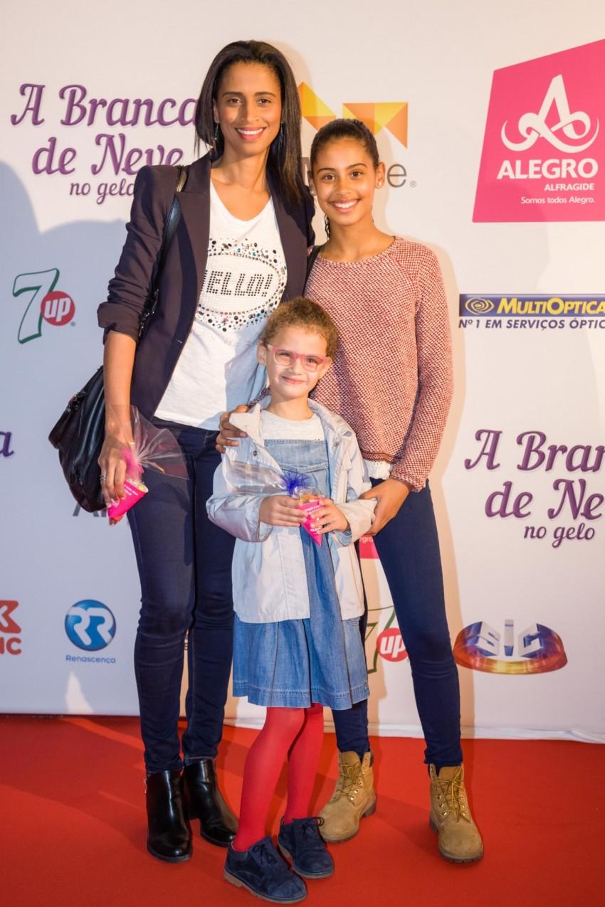Swailla Castro e e as filhas, Carolina e Madalena